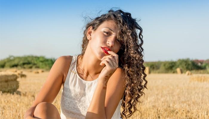 Как вернуть густоту волос после выпадения: советы трихологов