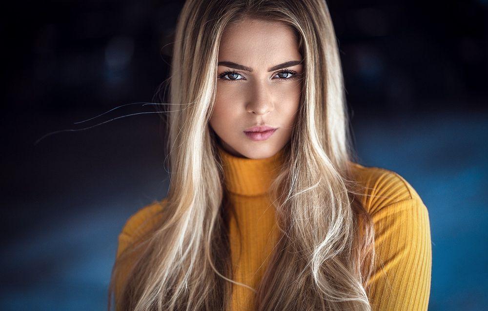 Блондинки с карими глазами: фото